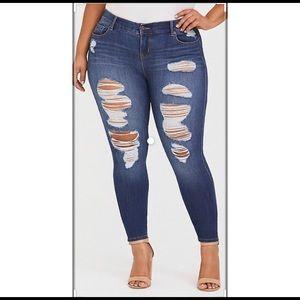 Torrid Premium Bombshell Skinny Jean size 16r